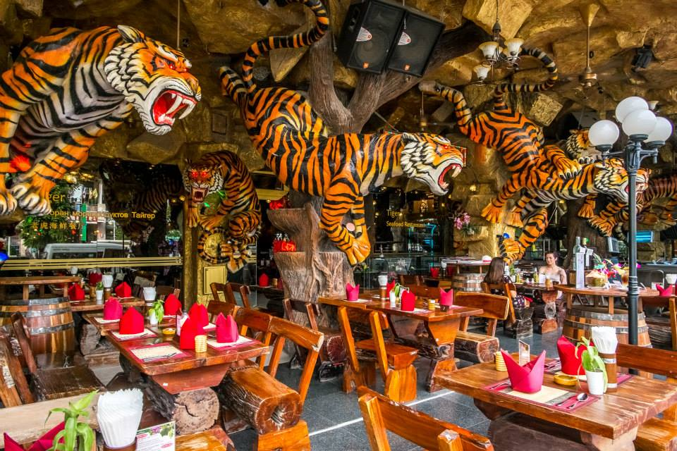 Phuket, Tailandia: tutte le informazioni utili, le spiagge migliori e come viaggiare low cost. locale tipico di Patong