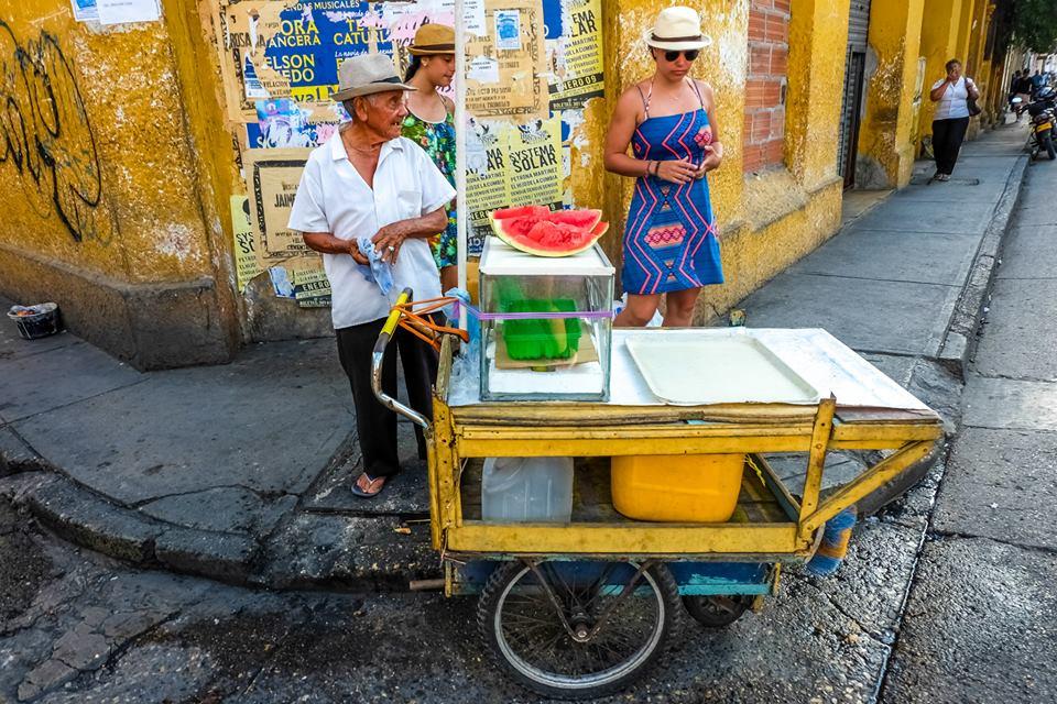 Venditori di frutta nella città vecchia. Cartagena de India, Colombia: cosa fare? Itinerario e informazioni utili