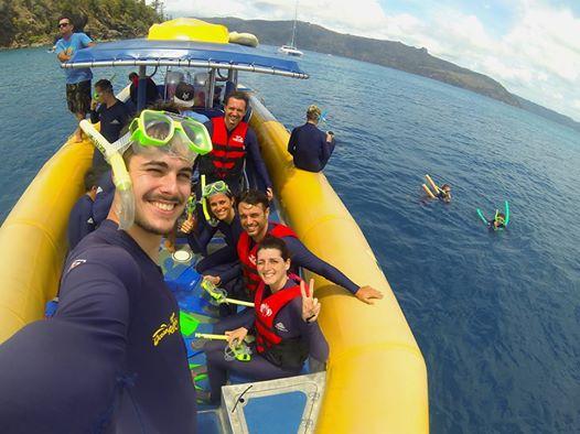Prima di tuffarci nella barriera corallina.  Whitsundays Island, Queensland. Australia. Escursioni, informazioni emozioni (in volo e in mare)
