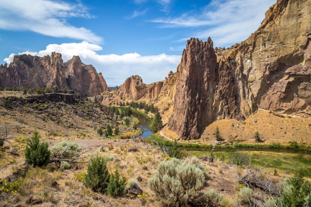 Misery Ridge Trail. Smith Rock State Park. Oregon Centrale: montagne, laghi e deserti. Smith Rock State Park, Crater Lake e Painted Hills [itinerario e informazioni]